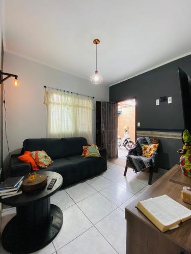 Imagem 1 de 14 de Casa 2 Dormitórios - Churrasqueira - 2 Vagas - Ocian Amf21