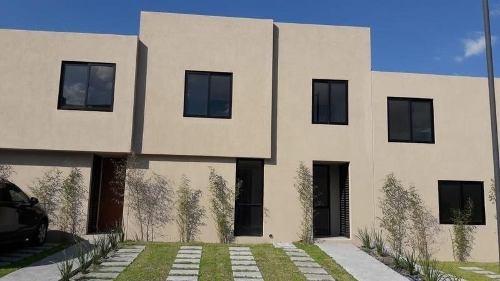 Hermosa Casa Nueva En Renta En Fracc Zakia El Marques Qro. Mex.