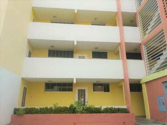 Apartamento En Venta De 86m2, Res San Nicolas San Diego