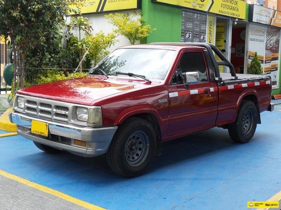 Mazda B2000 Platón
