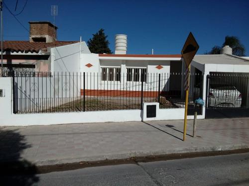 Imagen 1 de 13 de Casa Barrio Residencial América