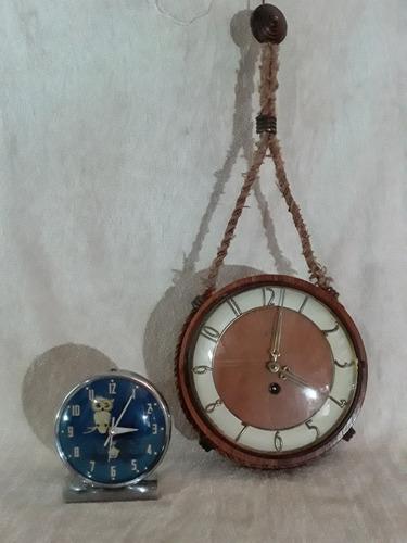 Reloj Despertador De Cuerda. Vintage  Cc