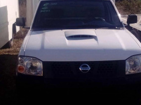 Nissan Np300 Pick Up Estacas