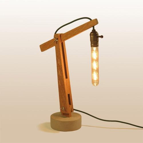 Imagem 1 de 4 de Luminária Abajur Mesa Design Moderno Artesanal Madeira