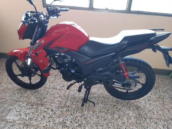 Vendo Moto Cr4 Akt Modelo 2020 Papeles Hasta El Otro Año