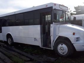Autobus Mercedes Benz 2006 Freightliner 906