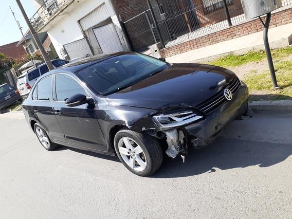 Volskwagen Vento 2.5