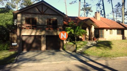 Casa En Venta, Mansa, Punta Del Este, 4 Dormitorios.- Ref: 209613