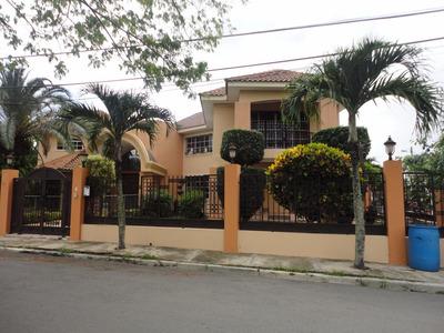 Hermosa !!casa De Venta En El Embrujo Iii Santiago
