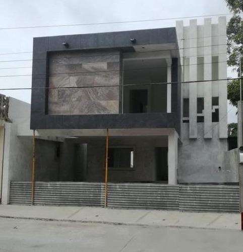 Venta De Casa En Col. Obrera, Tampico