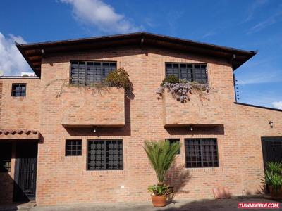 Hermoso Town House. Codigo # 6.