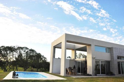 Casa En Alquiler O Venta En Altos De La Tahona