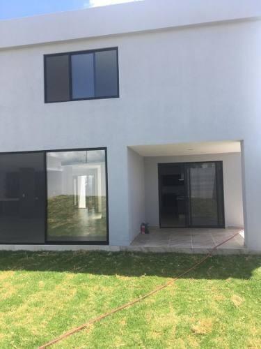 Se Vende Hermosa Casa En Juriquilla
