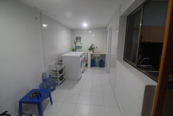 Vendo Casa De 2 Niveles 3 Hab/ 220 Mt2 Arroyo Hondo Iii, Dn