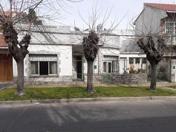 Vendo Casa Tres Ambientes En Hermoso Barrio De Bernal