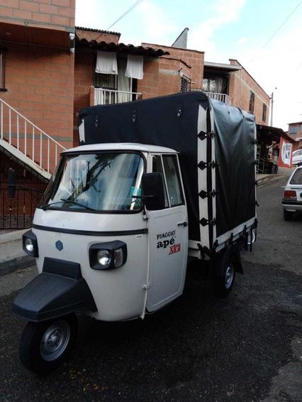 Moto Carro!!! Piaggio Blanco Encarpado En Estacas!!!