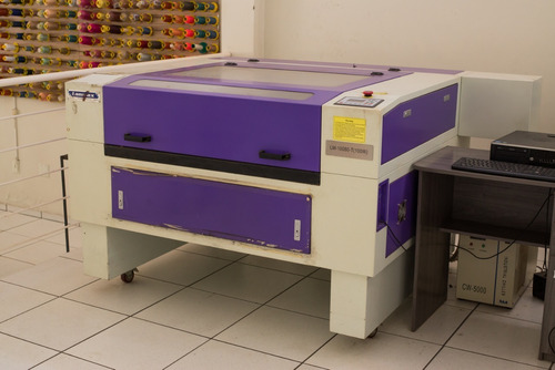 Máquina De Corte A Laser Com 1 Agulha