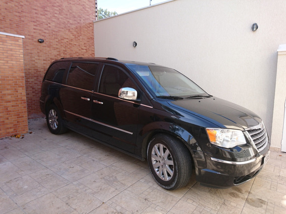 Chrysler Town & Country 3.8 Limited 5p 2010