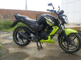 Yamaha Fz16 Color Negra Con Verde Limon