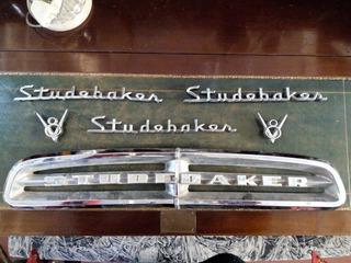 Studebaker Insignias