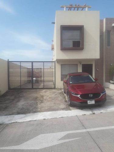 Imagen 1 de 10 de Casa En Renta En Las Terrazas.
