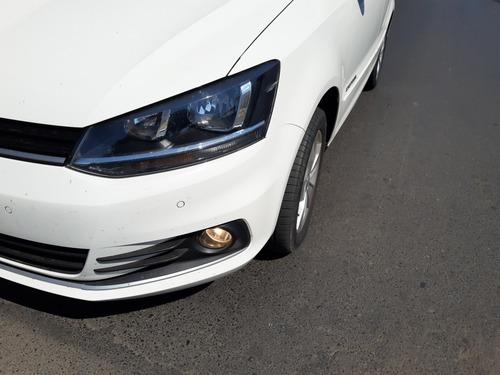 Imagem 1 de 11 de Volkswagen Fox 2017 1.6 Comfortline Total Flex 5p