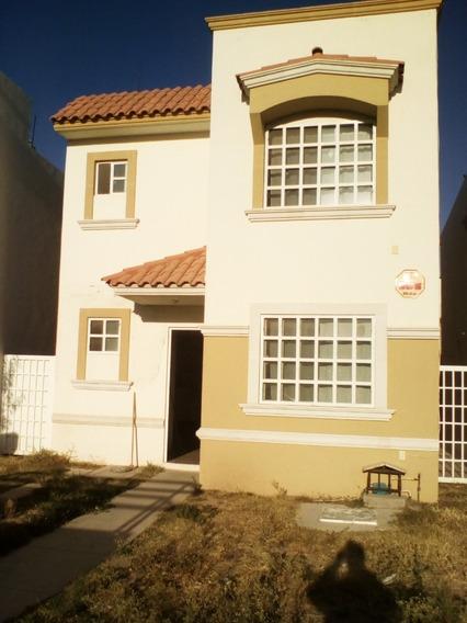 Bonita Casa De 2 Plantas, 162 M2, En Privada, 3 Recamaras