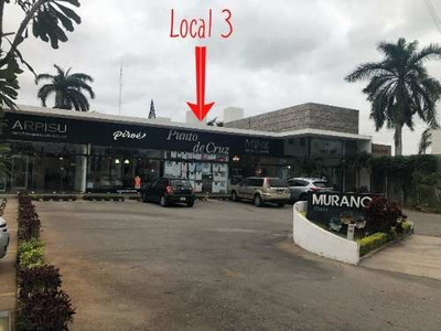Se Renta Local Comercial En Plaza Murano, Cerca Del Pocito, Excelente Ubicación!
