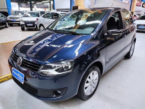 Volkswagen Fox 1.0 Flex Azul 2014 (completo)