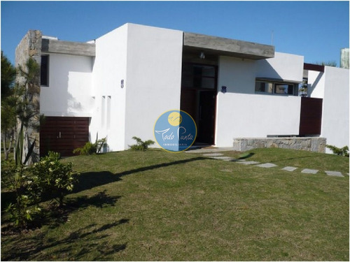 Imagen 1 de 30 de Espectacular Casa Metros Del Mar- Ref: 4272