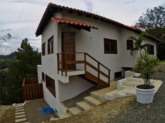 Villa De Venta En Las Lomas De Jarabacoa Via Hatillo
