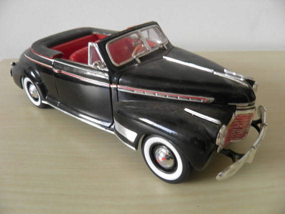 Chevrolet Special Deluxe 1941 - Escala 1/18 - Welly