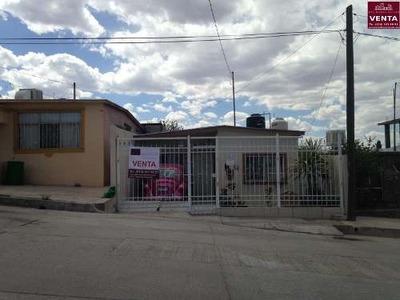 Casa Sola En Venta Col. Desarrollo Urbano
