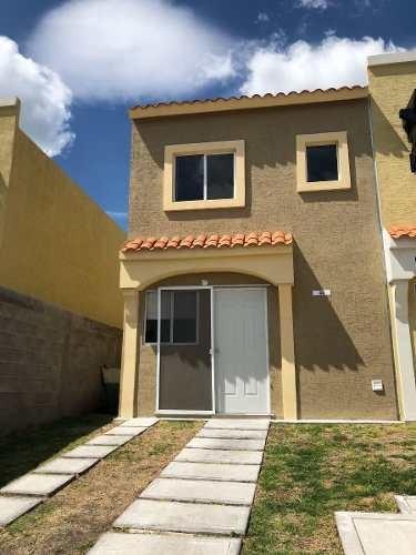 Se Renta Bonita Casa En Ciudad Del Sol, Alberca, 2 Recamaras, 1.5 Baños, Privada