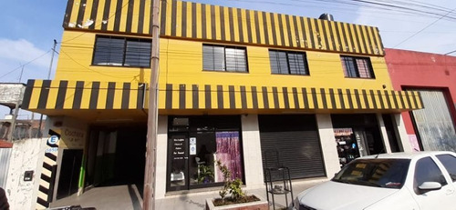 Excelente Edificio Cochera De 2 Pisos + 3 Locales Al Frente