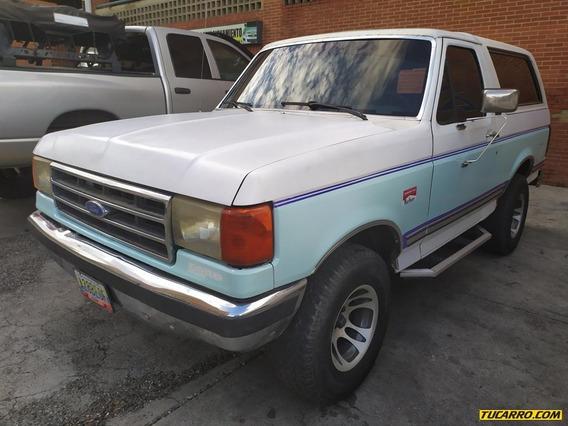 Ford Bronco Rustico