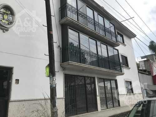 Edificio 3 Niveles, Av. Lazaro Cardenas