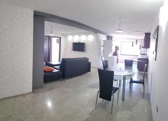 Apartamento En Alquiler Amoblado En El Edificio Ciro