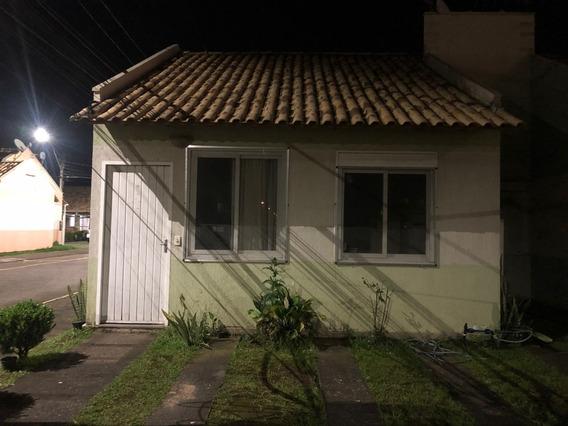 Casa Condomínio Fechado.