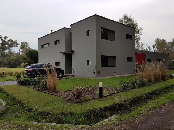 Casa Country La Arbolada R.2 K.42. Berazategui. Dueño Vende
