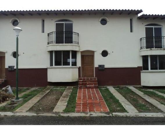 Casas A La Venta En Agua Viva Cabudare,lara Rahco;19-8215