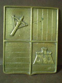 Antiguo Aplique De Bronce Escudo