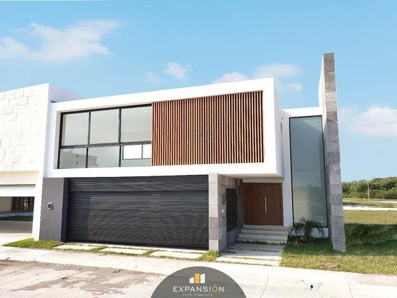 Casa En Venta. Residencial Con Acabados De Lujo, 3 Hab En Boca Del Rio, Ver.