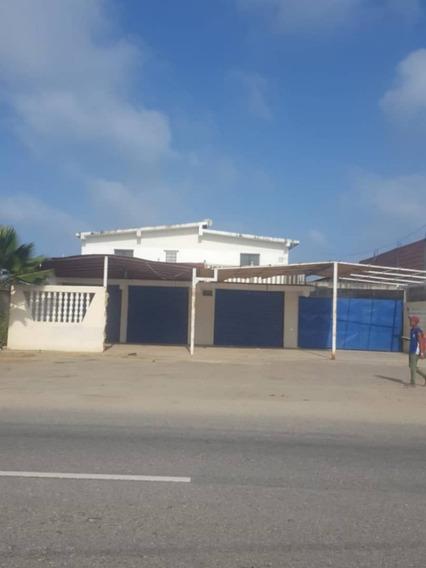 En Venta Bella Casa De 727,54m2 Ubicada En Boca De Aroa