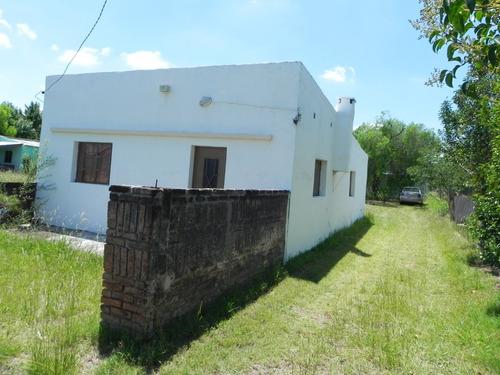 Casa Reciclada, Galpón, Y Gran Terreno De 2000 Metros