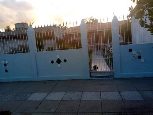 Imagen 1 de 14 de Casa Con Mono Ambiente En El Fondo San Clemente Del Tuyu1592