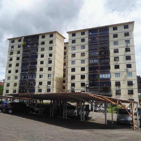 En Venta Apartamento En Los Cedros, Avenida Ferrero Tamayo