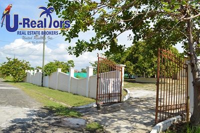 Nice Home In Coronado With 2,940 M2 - $350,000