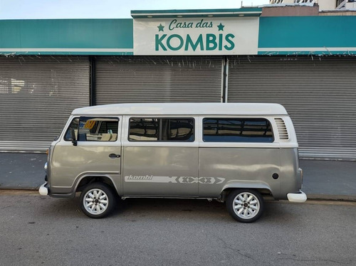 Imagem 1 de 12 de Volkswagen Kombi 1.6 Std 8v Gasolina 3p Manual