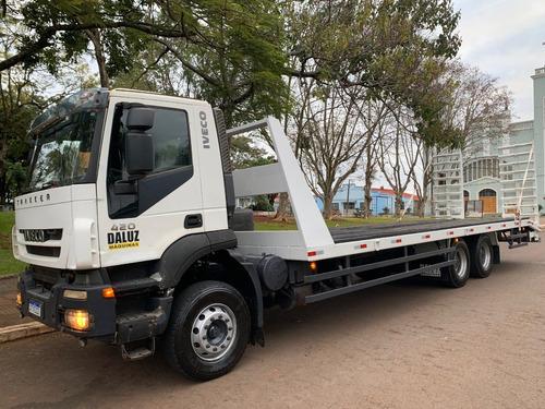 Imagem 1 de 6 de Caminhão Iveco